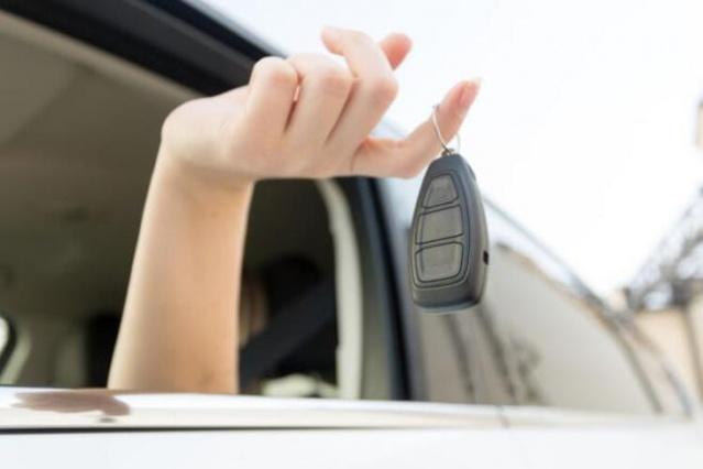 Arabasına bakımını eksik yapanlar yüksek maliyetli tamirat işleriyle uğraşabilirler. Özellikle egzozdan çıkan dumanın rengi işaretçi olabilir.
