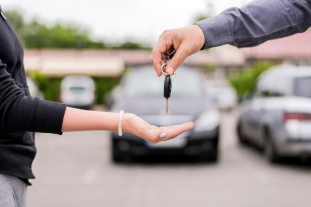 Sıfır otomobil alacaklar için markaların kendi internet sitelerinde yer alan fiyat listelerine göre en uygun fiyatlı modelleri listeledik.