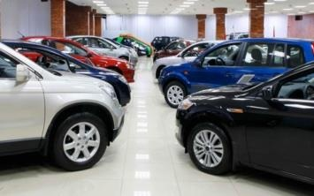 15Bir yıl gibi bir süredir devam eden ÖTV indirimi sona erdi. Ekonomide yaşanan dalgalanmaların ardından yeni otomobil fiyatları ise bakın ne kadar oldu.