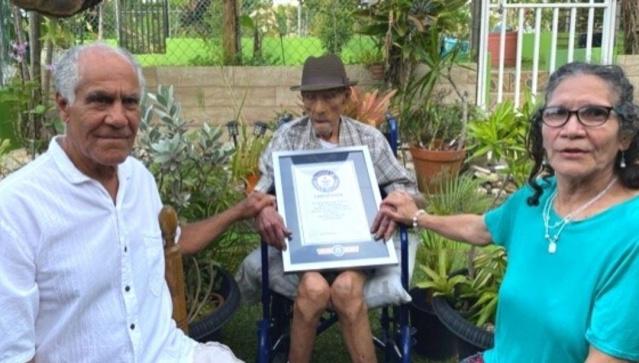 Guinness, Porto Rikolu Emilio Flores Marquez'in 112 yıl 326 günle dünyanın yaşayan en yaşlı erkeği olduğunu duyurdu.