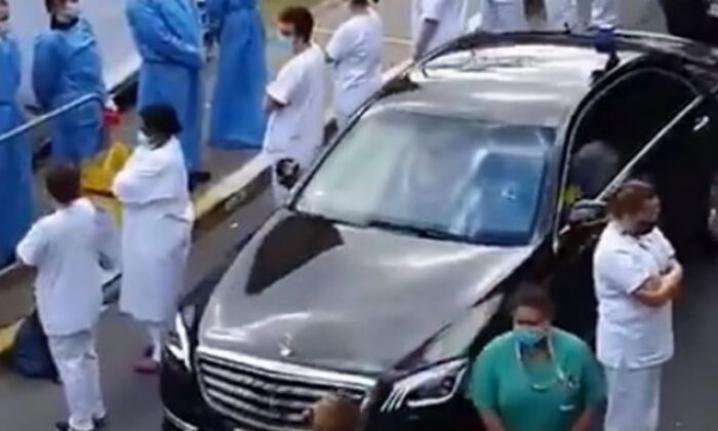 Belçika'da sağlık çalışanları başbakana sırtını döndü