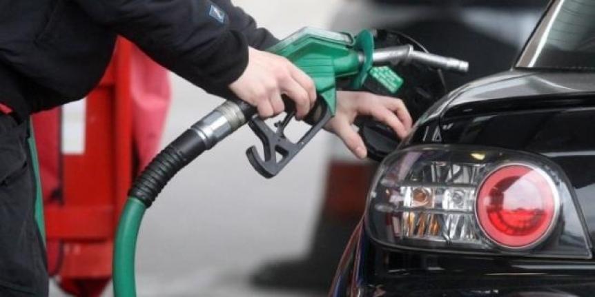 Benzin ve motorine büyük zam: Bu gece yürürlüğe girecek