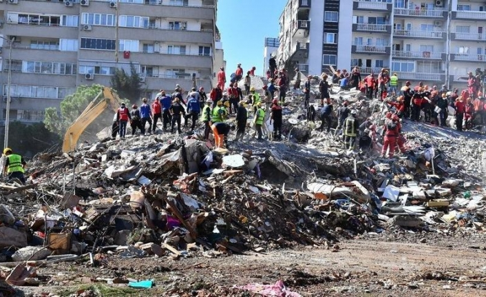 İzmir Tabip Odası: 31 sağlık kurumu hasarlı