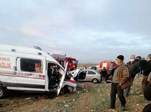 Ambulans Kazası: 3 Ölü