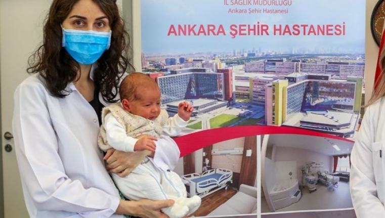 Hamileyken Aşı Olan Doktorun Bebeği Antikorlu Doğdu