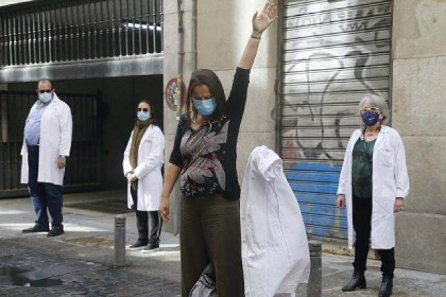 İspanya'da Sağlıkçılar Eylem Yaptı: Bittik Tükendik