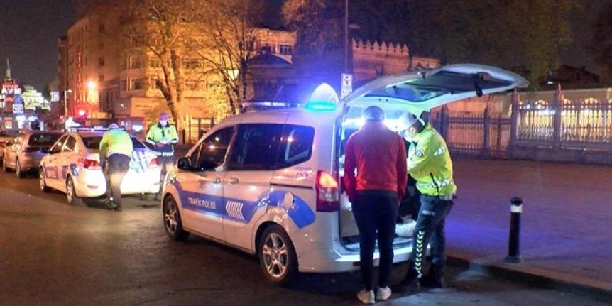 Kapanmanın ilk gecesinde 'izin belgesi' cezası