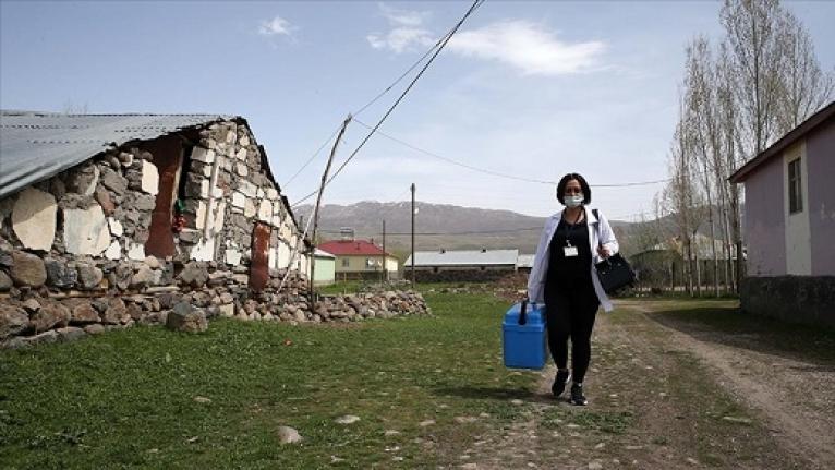 Leyla Ebe Fedakarlığıyla Gönlünde Taht Kurdu / Foto