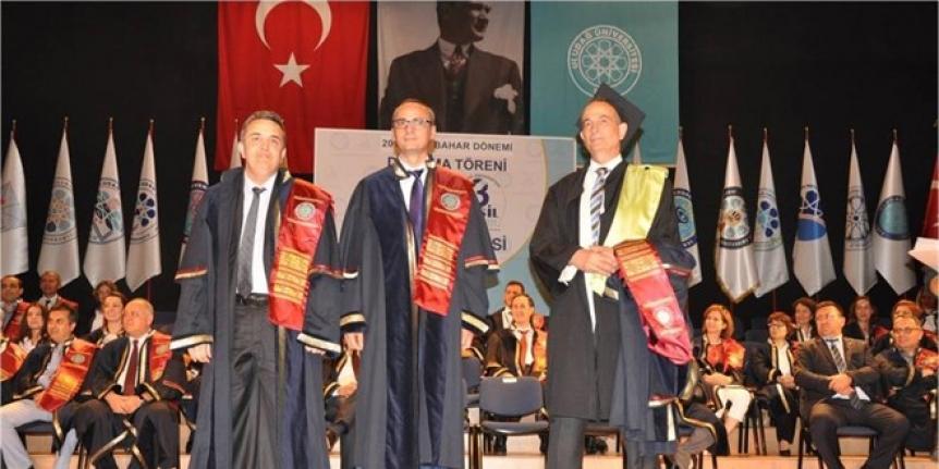 5 üniversite bitiren uzman doktor herkese örnek oluyor