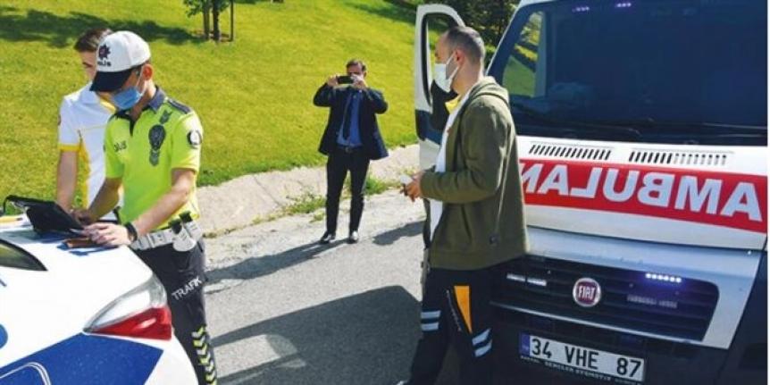 Boş ambulanslara 'çakar' cezası kesildi