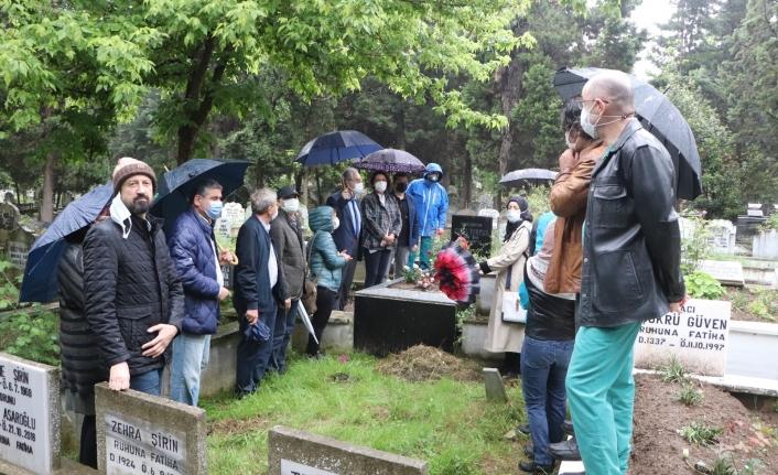 Görevi başında öldürülen Dr. Furtun mezarı başında anıldı