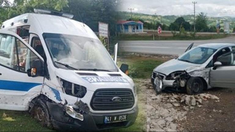 Mahkum taşıyan ambulans kaza yaptı!