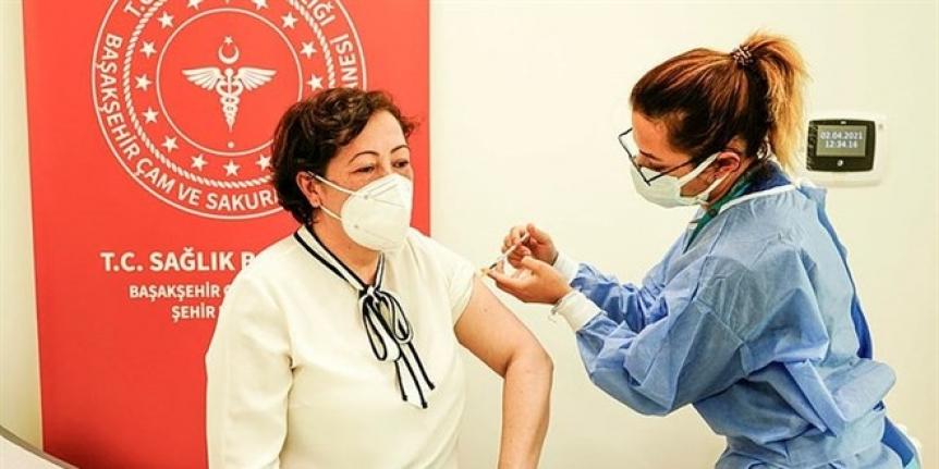 Nüfusun yüzde 70'i aşılanıp Eylül sonrası kitle bağışıklığına geçilecek
