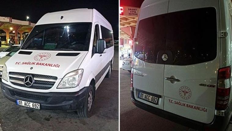 Sağlık Bakanlığı' yazdırdığı minibüsle yolcu taşırken yakalandı
