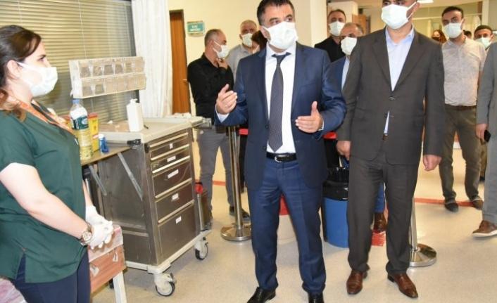 Sağlık Müdürü  darp edilen sağlık çalışanlarını ziyaret etti