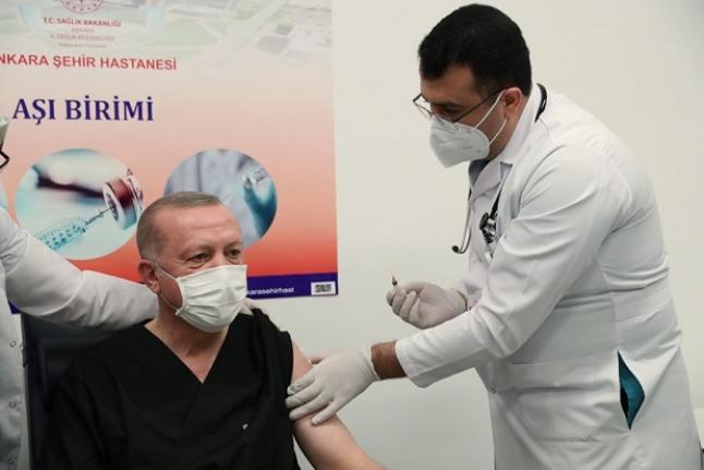 Erdoğan '3 doz aşımı oldum' dedi, tartışma başladı