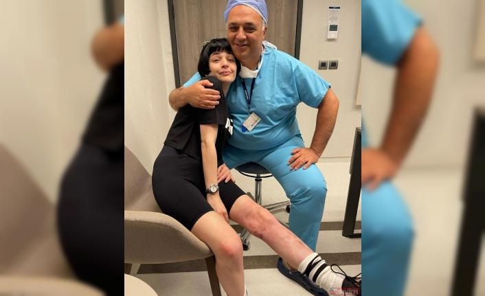 Sağlık sistemini öven Gonca Vuslateri linç tayfasının gazabına uğradı!