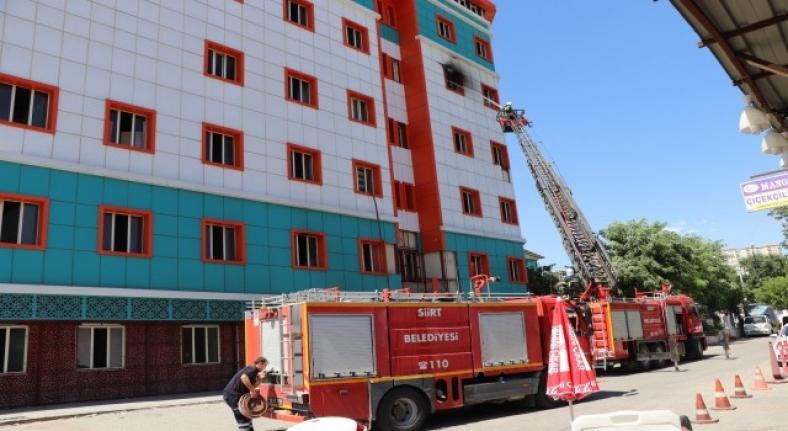 Siirtte eski hastane binasında korkutan yangın