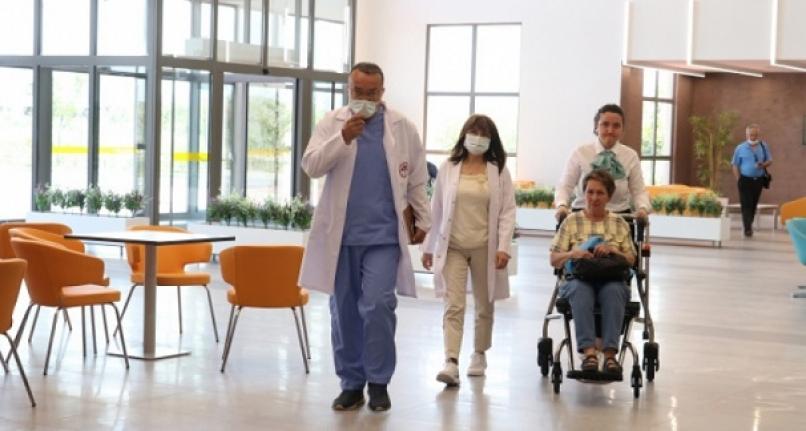 Türkiye-Arnavutluk Hastanesi hasta kabulüne başladı