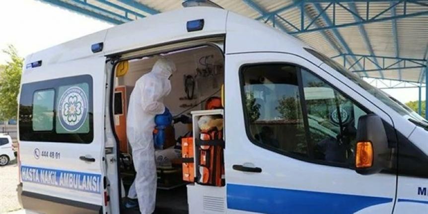 Ambulanslarda görev yapan 3 bin 552 sağlık personeli  koronavirüse yakalandı