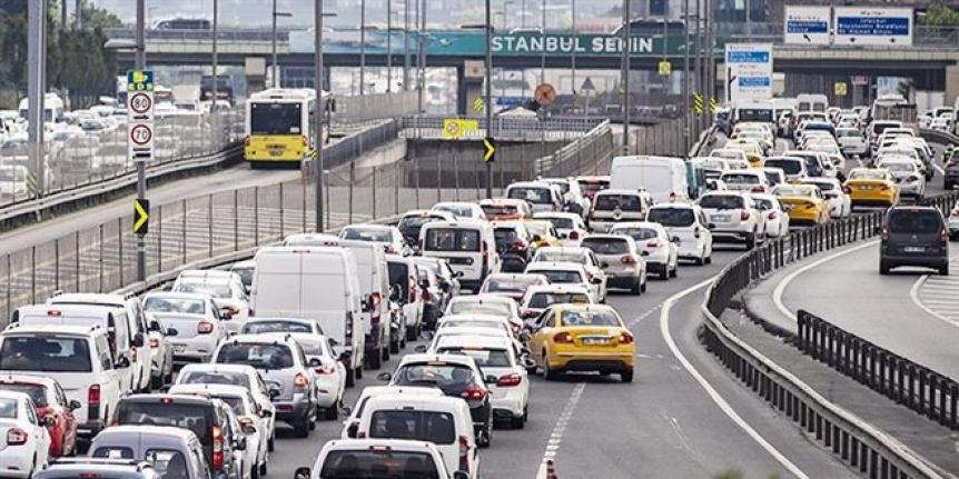 Araç sahiplerine kötü haber: Üç ay içinde yüzde 50 zam bekleniyor!
