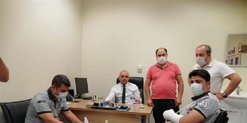 Hasta yakınları, güvenlik görevlilerine saldırdı