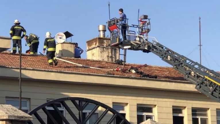 Hastane yangını: Hastalar tahliye edildi
