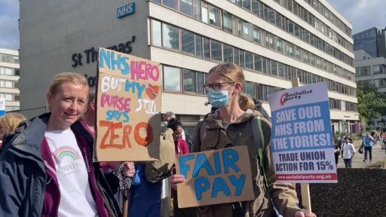 İngiliz sağlık çalışanları zam taleplerini sürdürdü