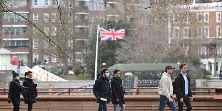 İngiltere'de maske zorunluluğu kalkacak
