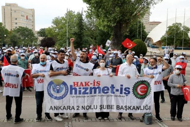 Sağlık çalışanları haklarının ödenmesi için eylem yaptı