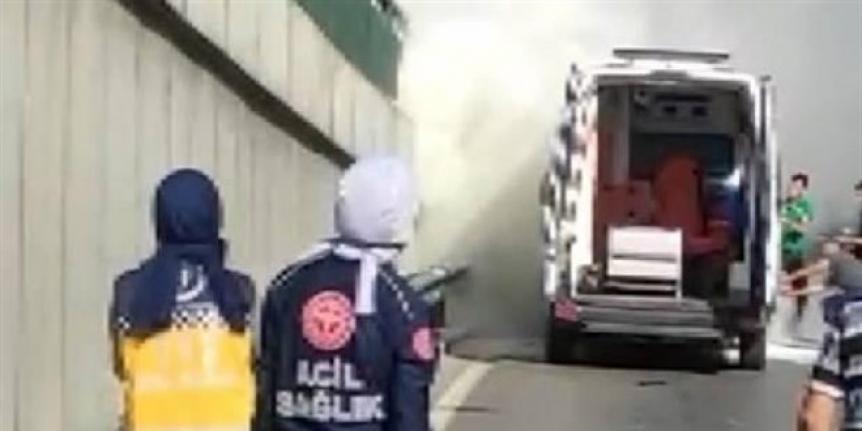 112 ambulansı alevlere teslim oldu
