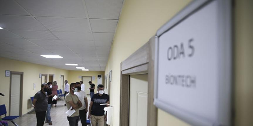 Hastanede yatanların yüzde 95.8'i aşısız