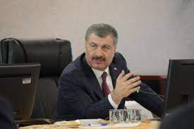 Sağlık Bakanı Fahrettin Koca'nın CHP'lilerin gözündeki tek eksiği, AK Partili olması.