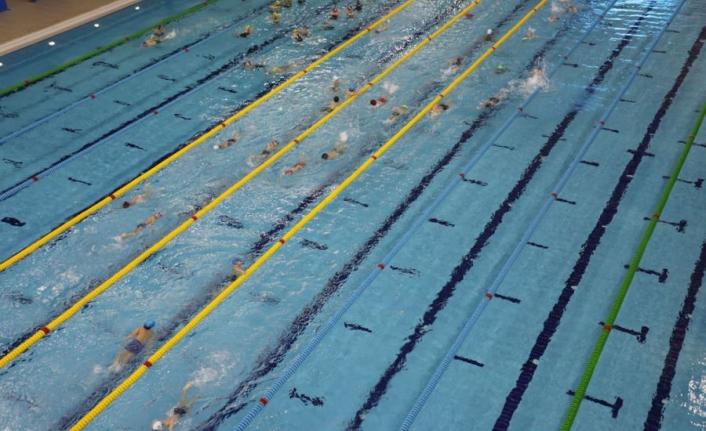 Sivas'ta  sağlık çalışanları, yüzme havuzundan yararlanacak
