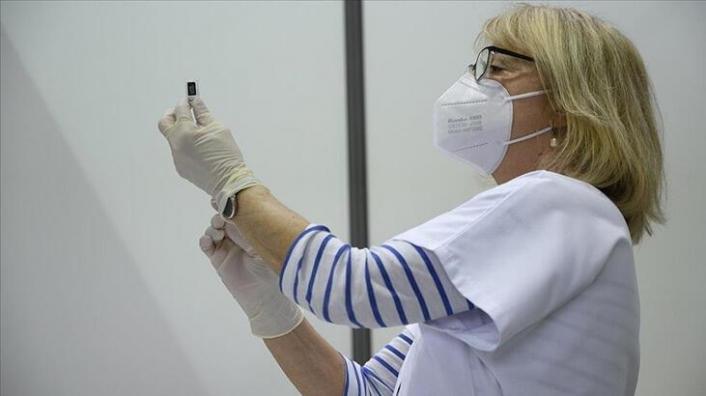 Fransız Bakan duyurdu! 3 bin kadar sağlık çalışanı açığa alındı