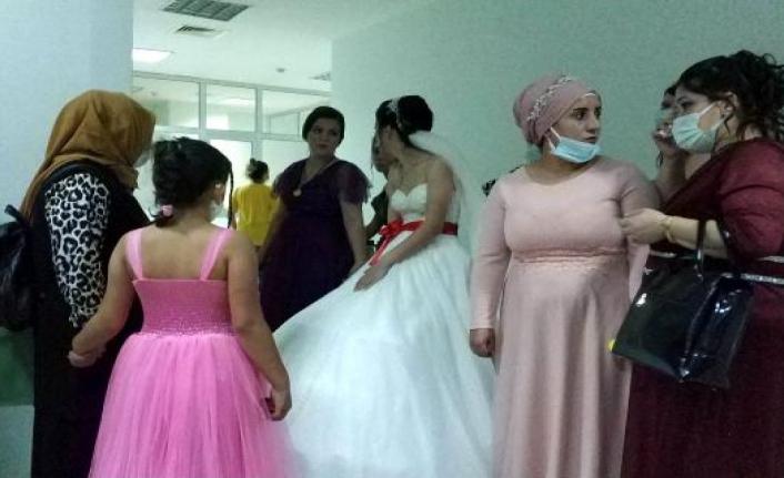 Hemşirenin, en mutlu gününde kalp krizi geçiren anne hayatını kaybetti