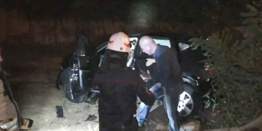 Yaralı doktoru kaza yerinde bırakıp kaçtı