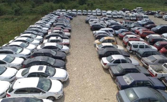 Yediemin otoparklarındaki araçlar, ihaleyle yarı fiyatına satılıyor