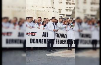 Aile Hekimleri Ulus Meydanında Eylem Yaptı