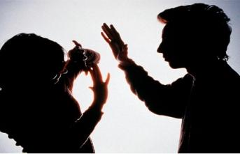 Sağlık çalışanların birbirini darp etmesi ve birbirine saldırması serbest mi?