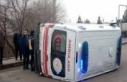 Hasta taşıyan ambulans otomobille çarpıştı 5...