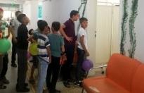 Çocuklar Bu Doktor İçin Sıraya Giriyor