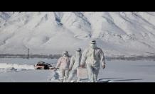 Koronavirüs kahramanlarının karla kaplı yollarda filyasyon azmi