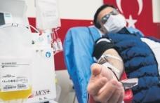Sağlıkçılardan plazma bağışı