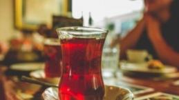Yemekten sonra çaya veda edin