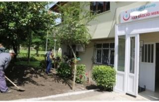 ASM Bahçesine sebze eken doktor şikayet edildi