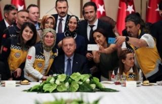 Erdoğan'ın Sağlıkçılarla İftarının Tam...