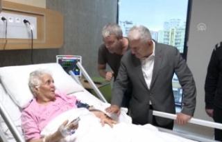 Binali Yıldırım Bayramda Hastaları Ziyaret Etti