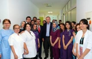 Erdoğan Sağlıkçılarla Hatıra Fotoğrafı Çektirdi