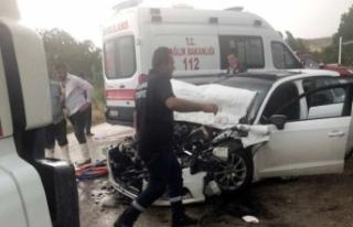 Sağlıkçılar Kaza Yaptı 6 Yaralı